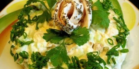 Салат з куркою і печерицями